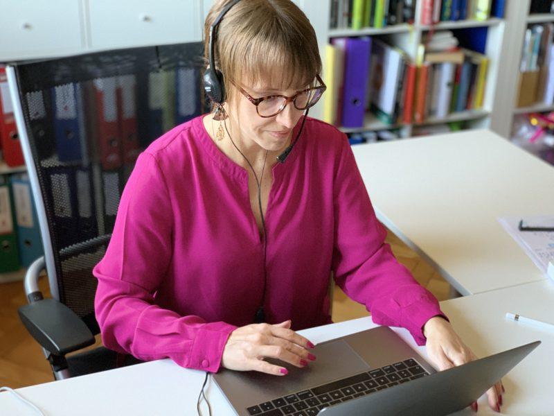 Bianca Prommer arbeitet auch in virtuellen Teams
